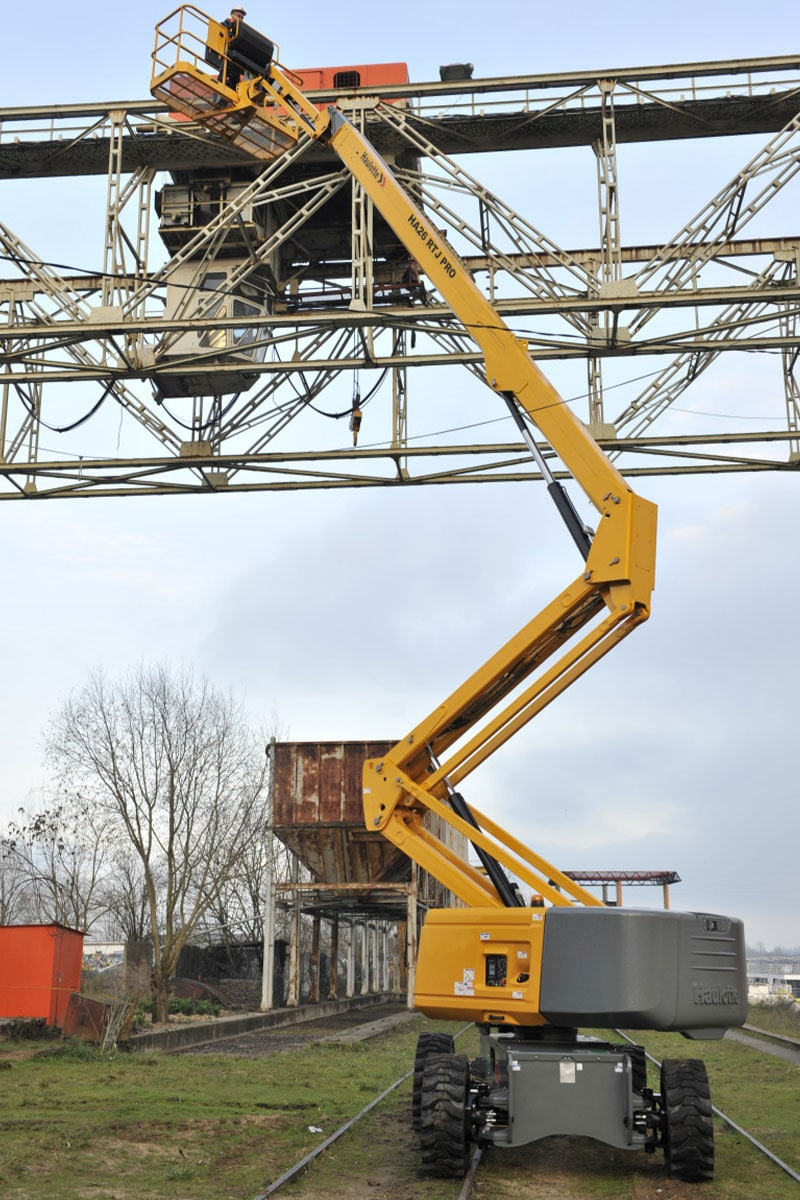 HA26 RTJ O diesel boom lift sterling access image 04 - HA26 RTJ O - Diesel Articulating Boom Lifts For Hire
